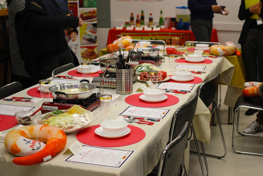 galleria supermarket lunar hotpot media table setup