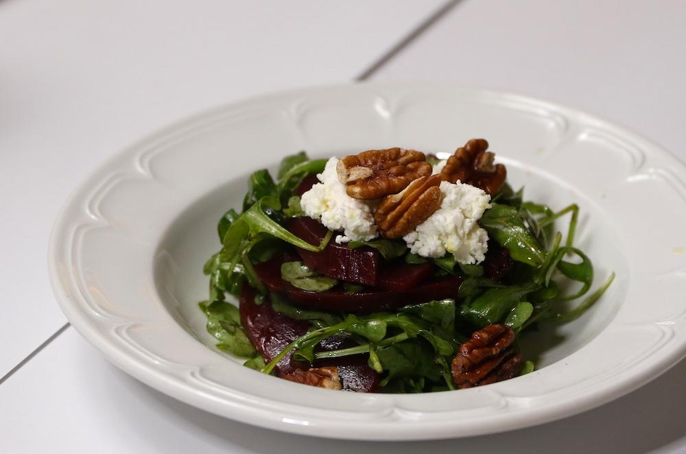 il fornello arugula beet salad