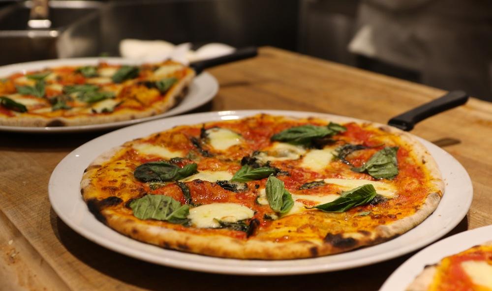 il fornello margherita cheese pizza